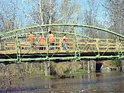 Picture of MCDOT crew at work on the bridge in 2002.