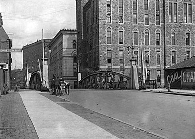 Old picture of downtown Rochester street.