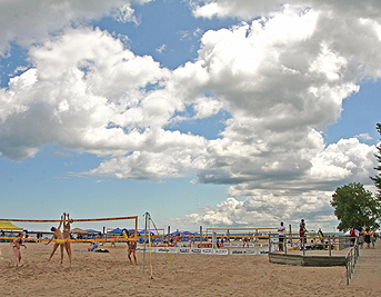 Picture of sunny day at Ontario Beach Park